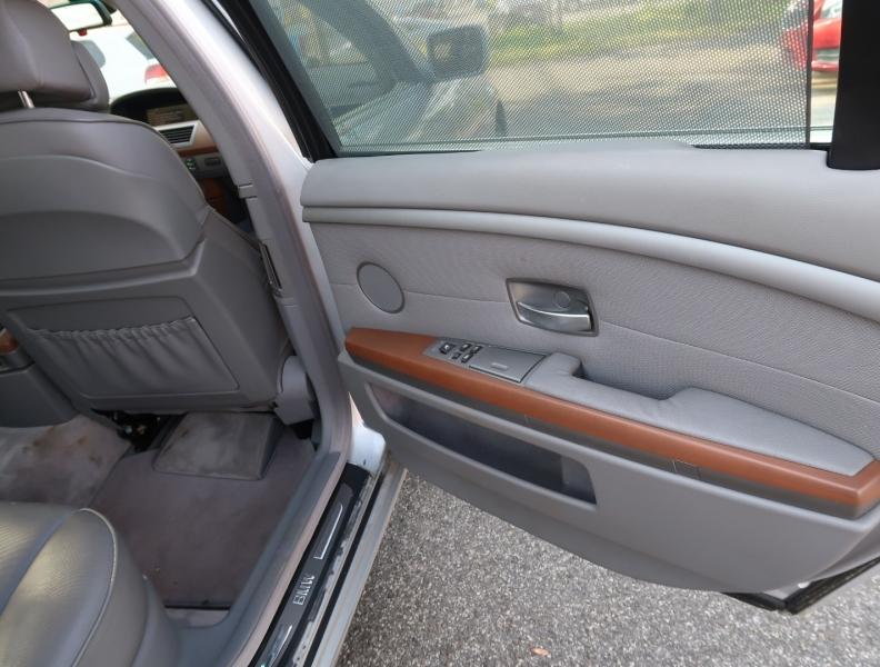 BMW 7-Series 2004 price $8,995
