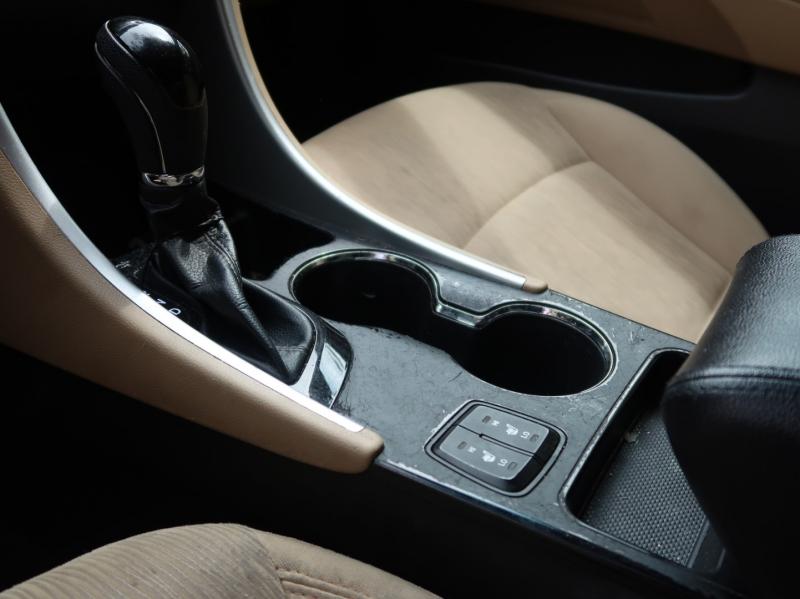 Hyundai Sonata 2013 price $10,475