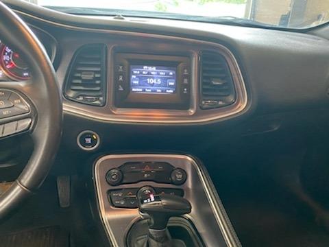 Dodge Challenger 2015 price $12,900