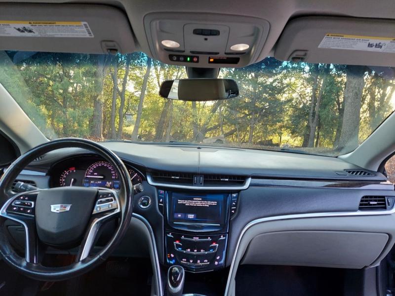 Cadillac XTS 2017 price $15,495 Cash