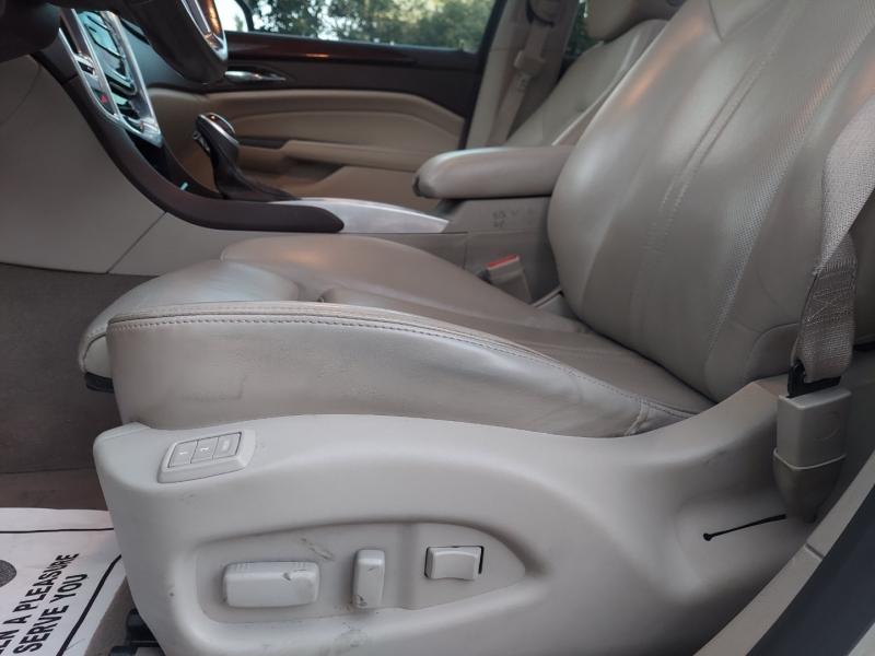 Cadillac SRX Luxury Collection 2013 price $9,995 Cash