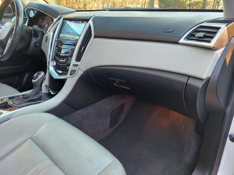Cadillac SRX 2015 price $15,995 Cash