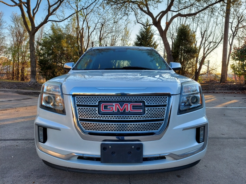 GMC Train Roof NAV One owner ! 2016 price $15,995 Cash
