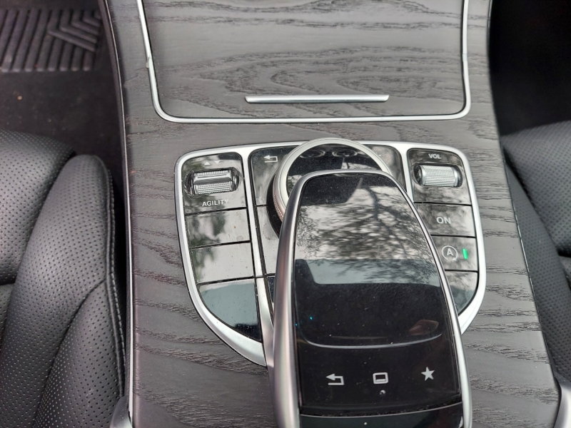Mercedes-Benz C-Class ONE OWNER ! 2015 price $22,995 Cash