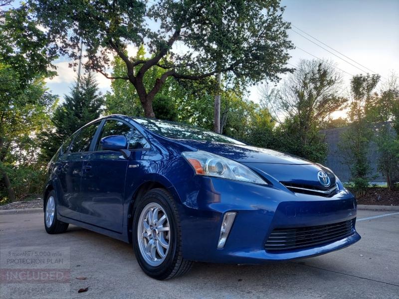Toyota Prius V ONE OWNER ! 2012 price $8,995 Cash