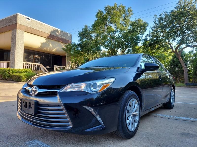 Toyota Camry 2016 price $9,995 Cash