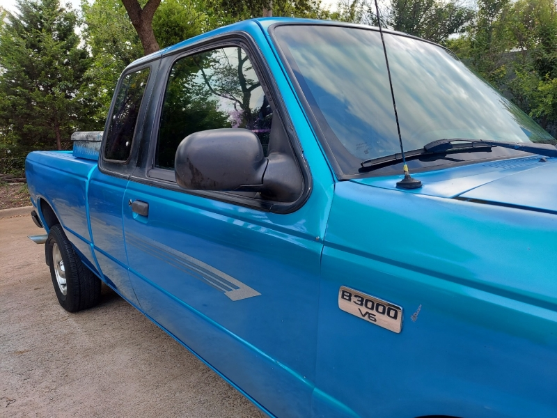 Mazda 2WD Pickup 1994 price $3,995 Cash