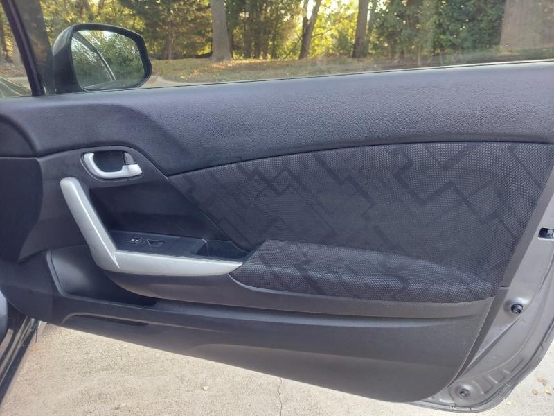 Honda Civic Cpe 2013 price $12,495 Cash