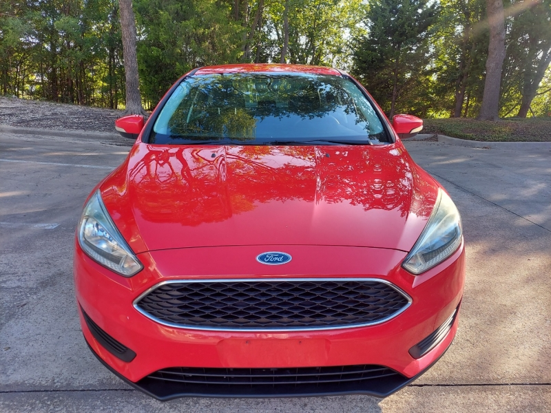 Ford Focus 2015 price $8,995 Cash