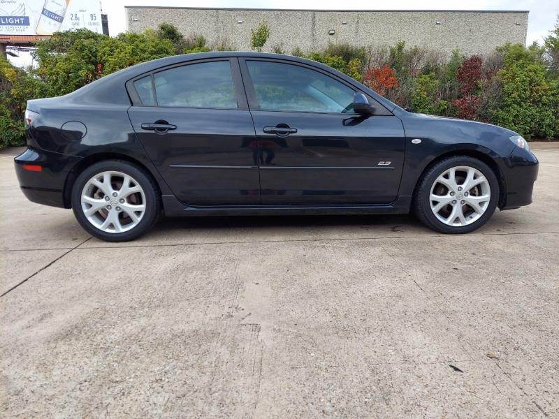 Mazda Mazda3 s Touring ONE OWNER ! 2007 price $7,995 Cash
