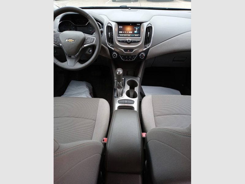 Chevrolet Cruze 2017 price $12,900