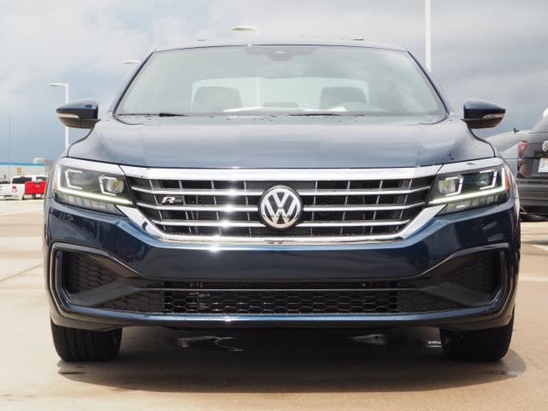 Volkswagen Passat 2021 price $30,043