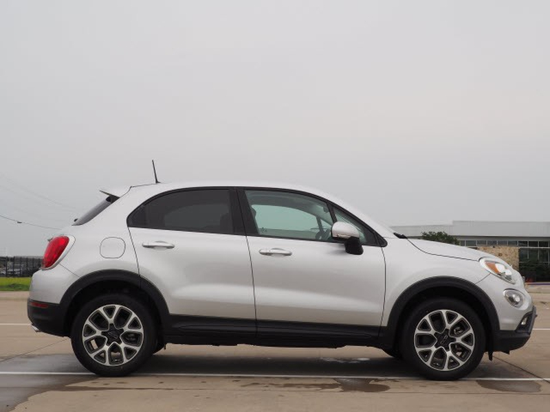 FIAT 500X 2018 price Call for Pricing.