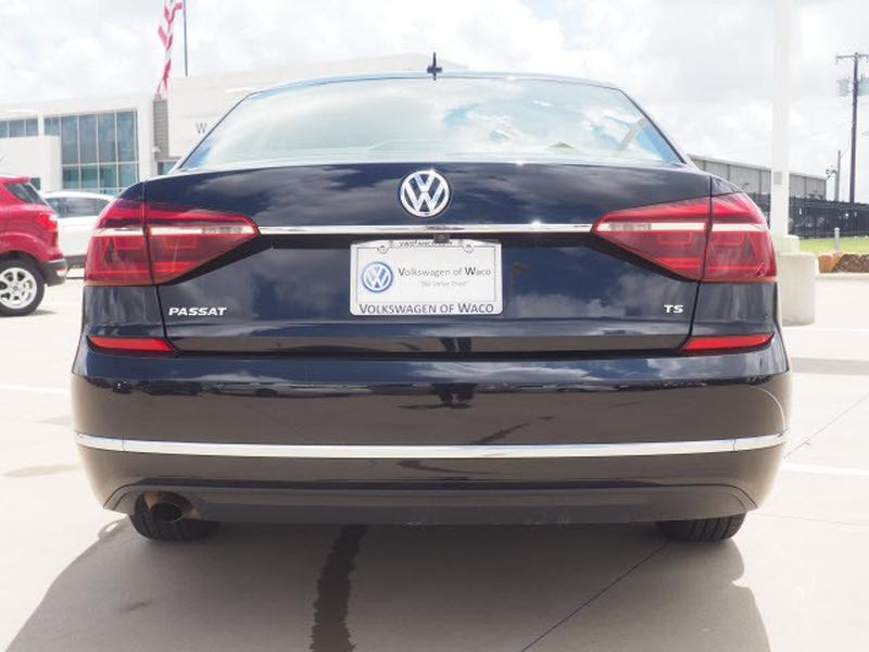 Volkswagen Passat 2017 price $23,991