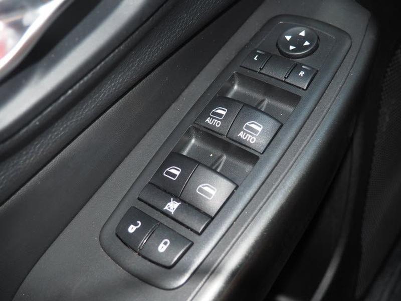 Jeep Cherokee 2019 price $33,991