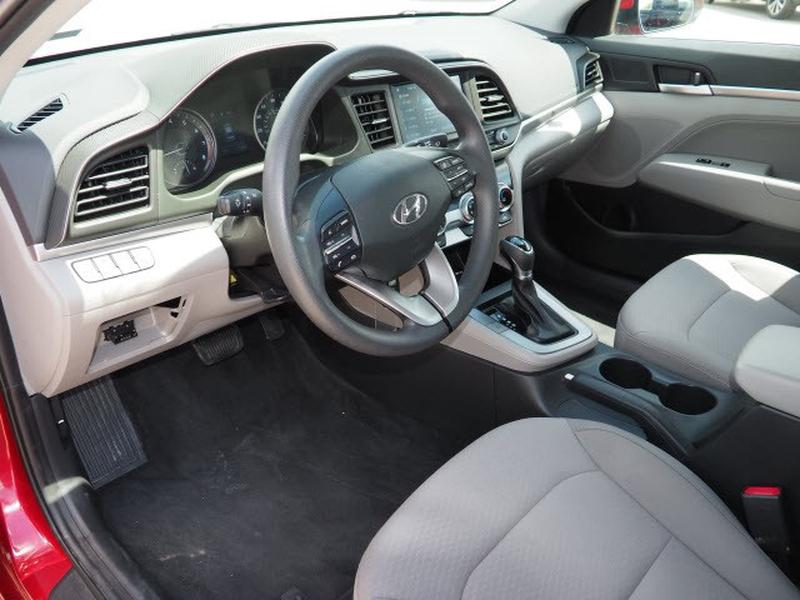 Hyundai Elantra 2019 price $23,991