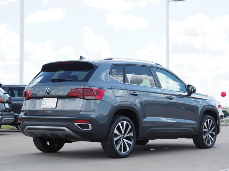 Volkswagen Taos 2022 price $28,999
