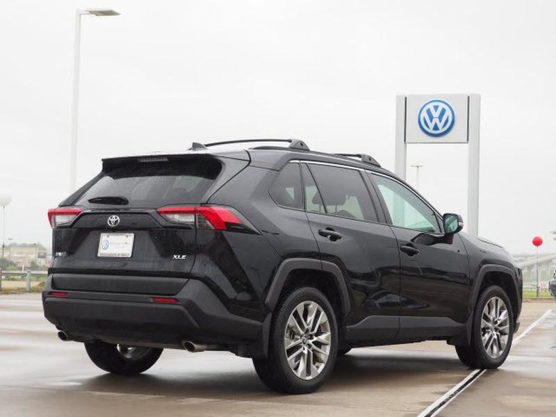 Toyota RAV4 2019 price Call for Pricing.