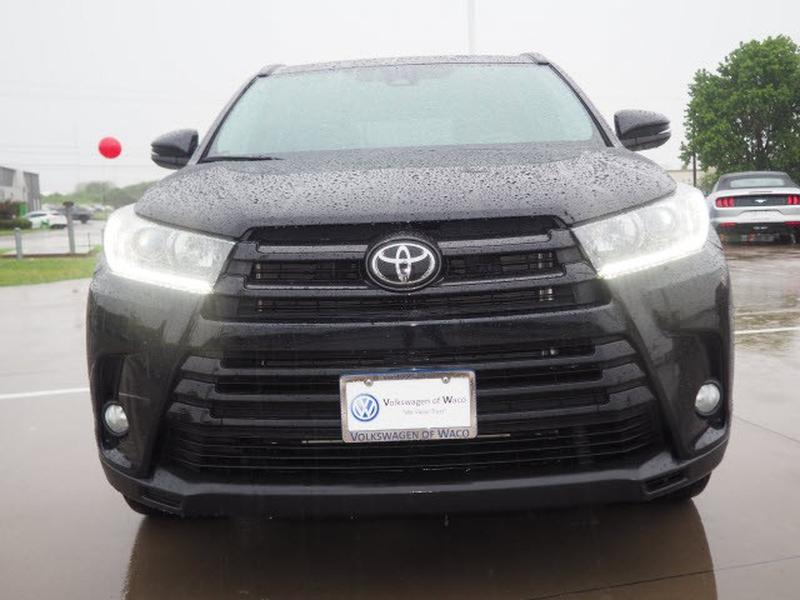 Toyota Highlander 2018 price $37,991