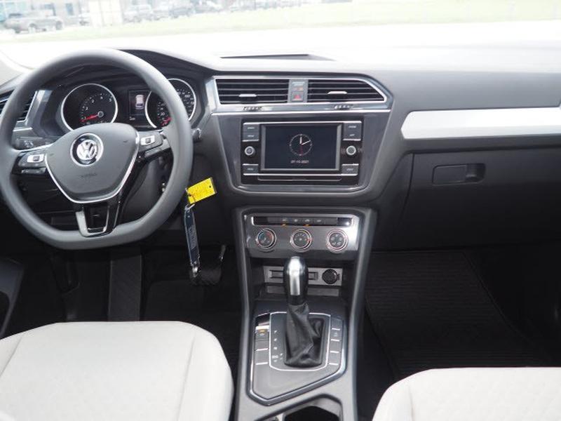 Volkswagen Tiguan 2020 price $31,991