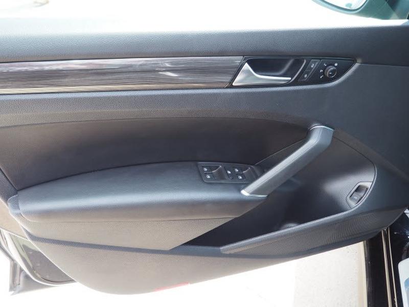 Volkswagen Passat 2020 price $31,991