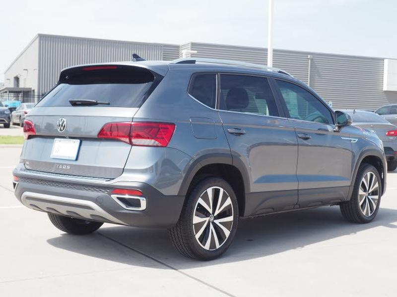 Volkswagen Taos 2022 price $28,274