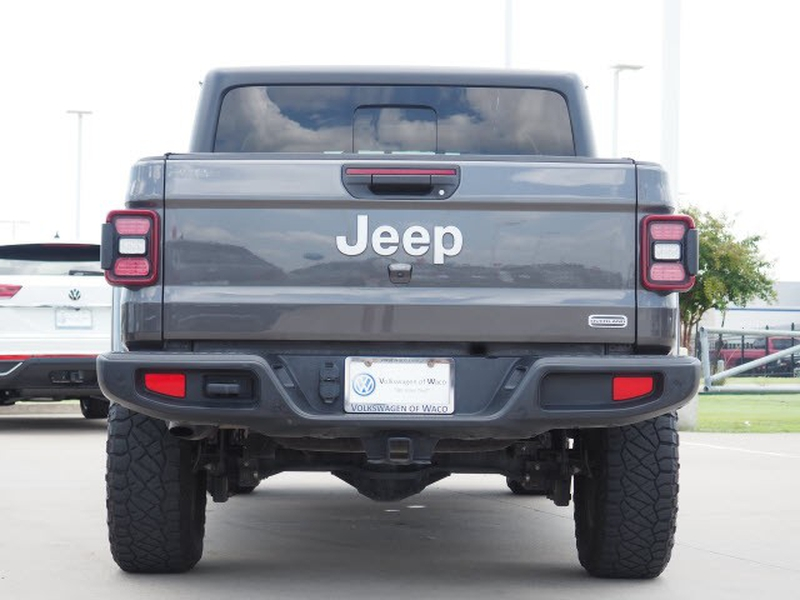 Jeep Gladiator 2020 price Call for Pricing.