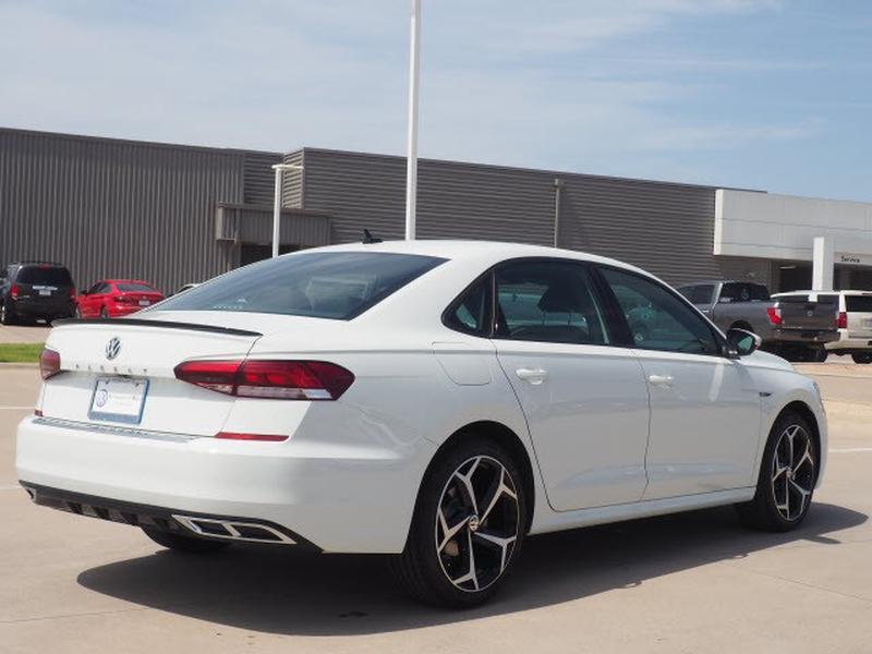Volkswagen Passat 2021 price $31,539