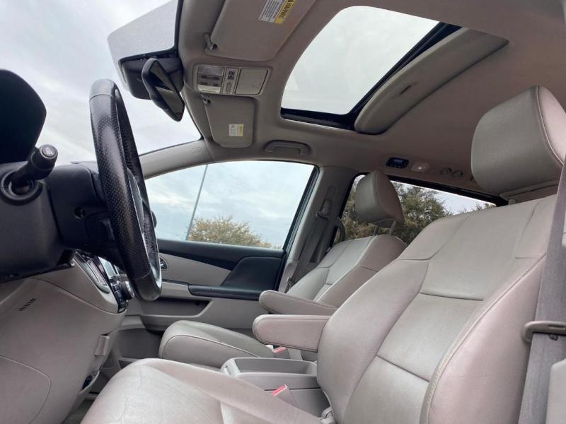Honda Odyssey 2014 price $12,500 Cash