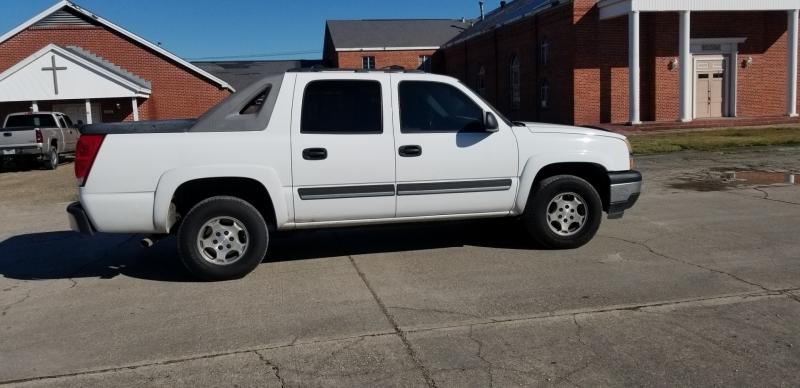 Chevrolet Avalanche 2005 price $7,980