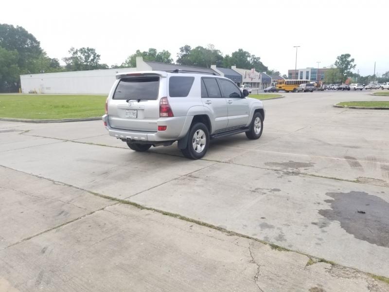 Toyota 4Runner 2004 price $8,980