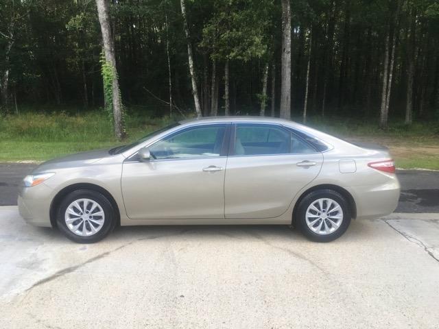 Toyota Camry 2017 price $15,980