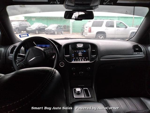 Chrysler 300C 2016 price $18,995
