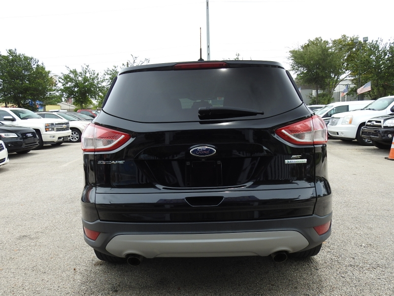 Ford Escape 2016 price $9,998