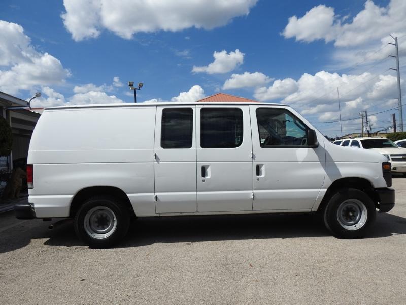 Ford Econoline Cargo Van 2013 price $12,988