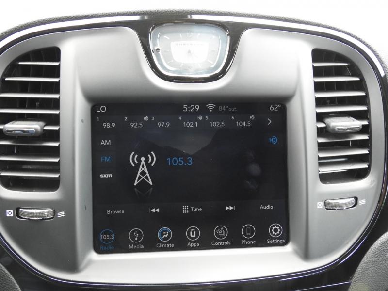 Chrysler 300 2019 price $22,988