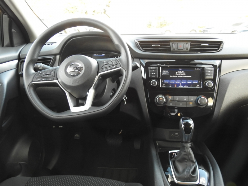 Nissan Rogue 2020 price $19,495