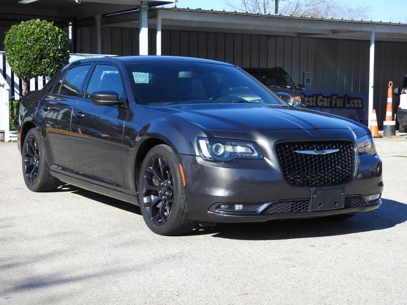 Chrysler 300 2019 price $21,988