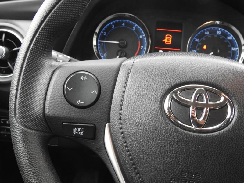 Toyota Corolla 2019 price $14,998
