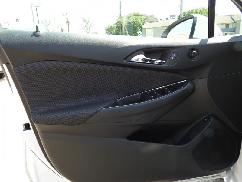 Chevrolet Cruze 2019 price $15,998