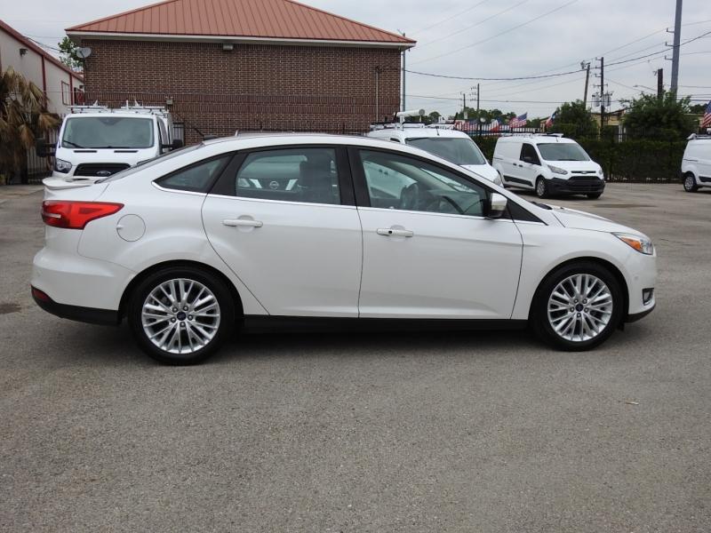Ford Focus 2015 price $11,998