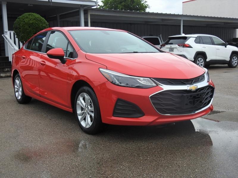 Chevrolet Cruze 2019 price $17,998