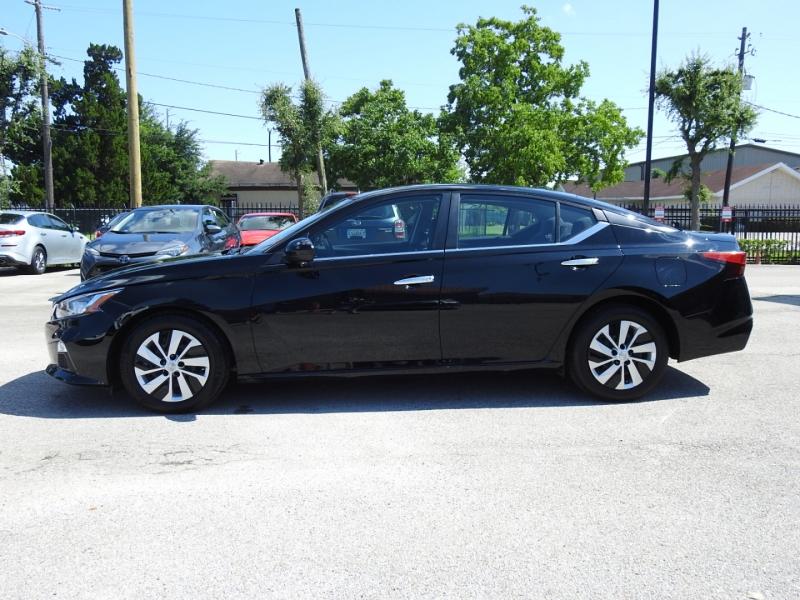 Nissan Altima 2020 price $21,988