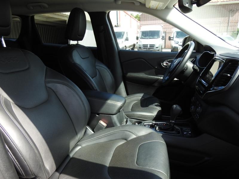 Jeep Cherokee 2019 price $24,998