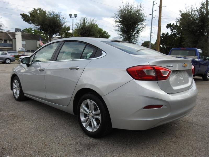 Chevrolet Cruze 2019 price $18,888