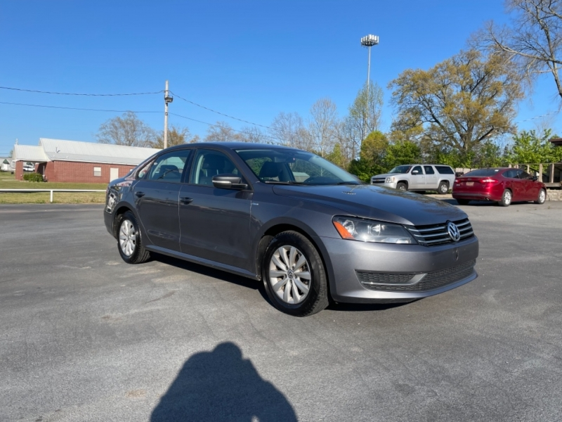 Volkswagen Passat 2015 price $9,200