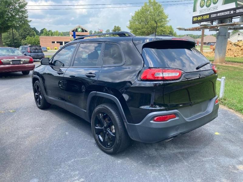 Jeep Cherokee 2017 price $15,950