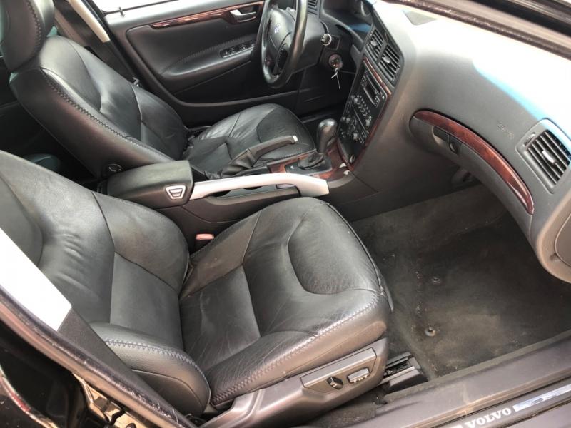 Volvo XC70 2007 price $2,950