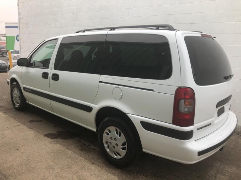 Chevrolet Venture 1999 price $1,950