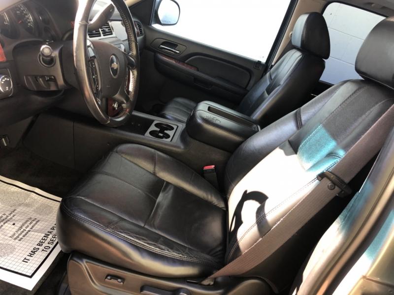 Chevrolet Suburban 2007 price $7,450